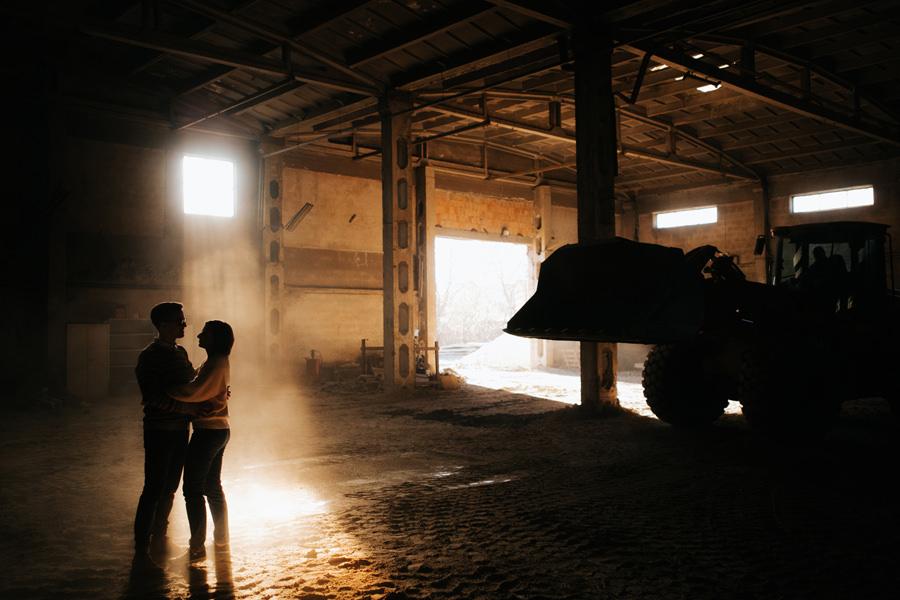 industrialna sesja w ceglarni, sesja narzeczenska, sesja industrialna,
