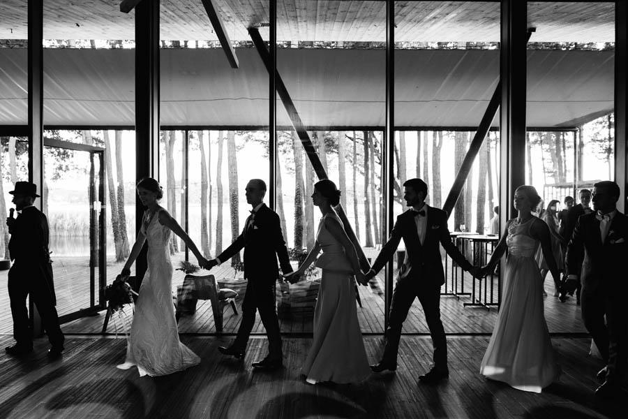 pierwszy taniec, wesele nad jeziorem, miedzy deskami,