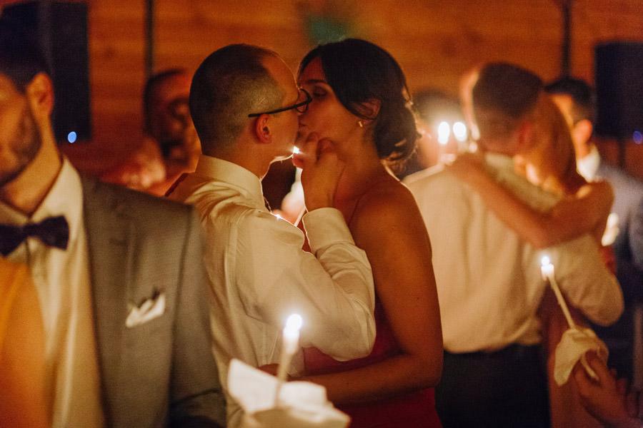 swietlisty taniec, miedzy deskami ,boho, wesele nad jeziorem,
