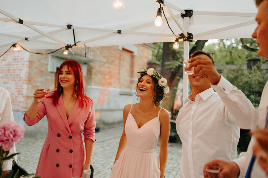 toasty na weselu, mloda para, gorzko gorzko, spokojna 15,