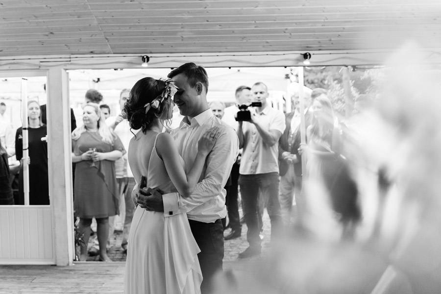 pierwszy taniec, wesele, mloda para, wesele w spokojnej 15,