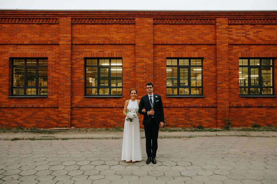 geometric moments, sesja slubna w lodzi, industrialne wesele,