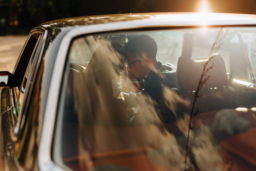 narzeczeni, zakochani. fotograf slubny warszawa, sesja industrialna,