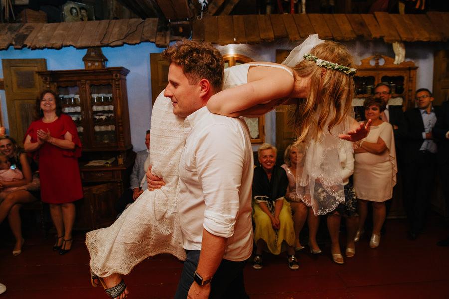 oczepiny, wesele u rozyca, najlepszy fotograf slubny warszawa,