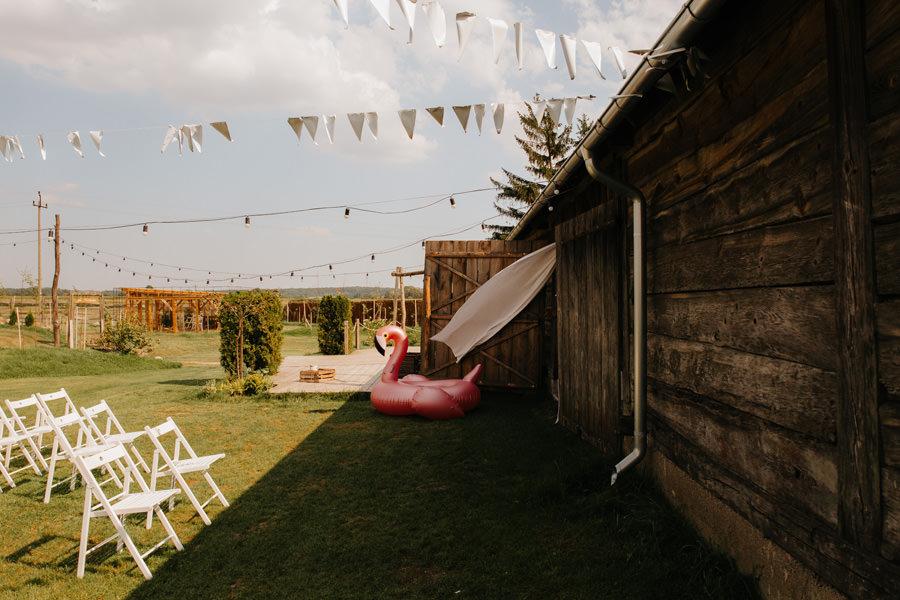 folwark ruchenka, wesele w stodole, dmuchane zwierzaki, fotograf slubny warszawa,
