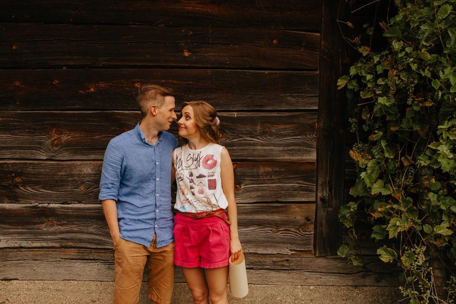 narzeczeni, mloda para, slow wedding, wesele w stodole,