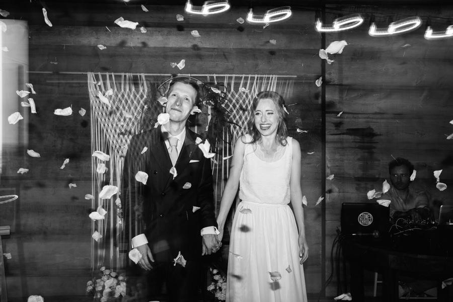 wesele boho, moda slubna 2020, wesele w stodole, folwark ruchenka,