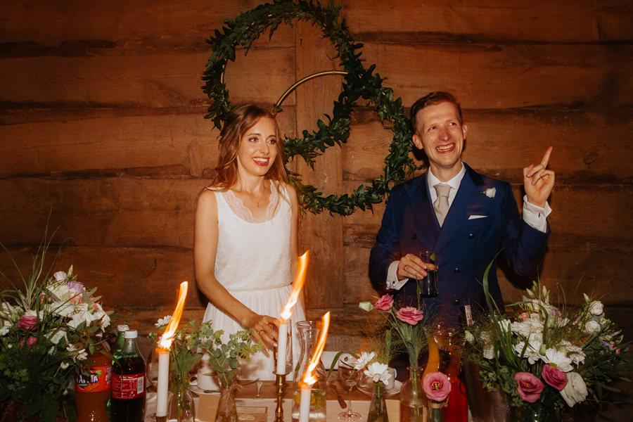 wesele w stodole, dekoracje slubne, wesele boho,