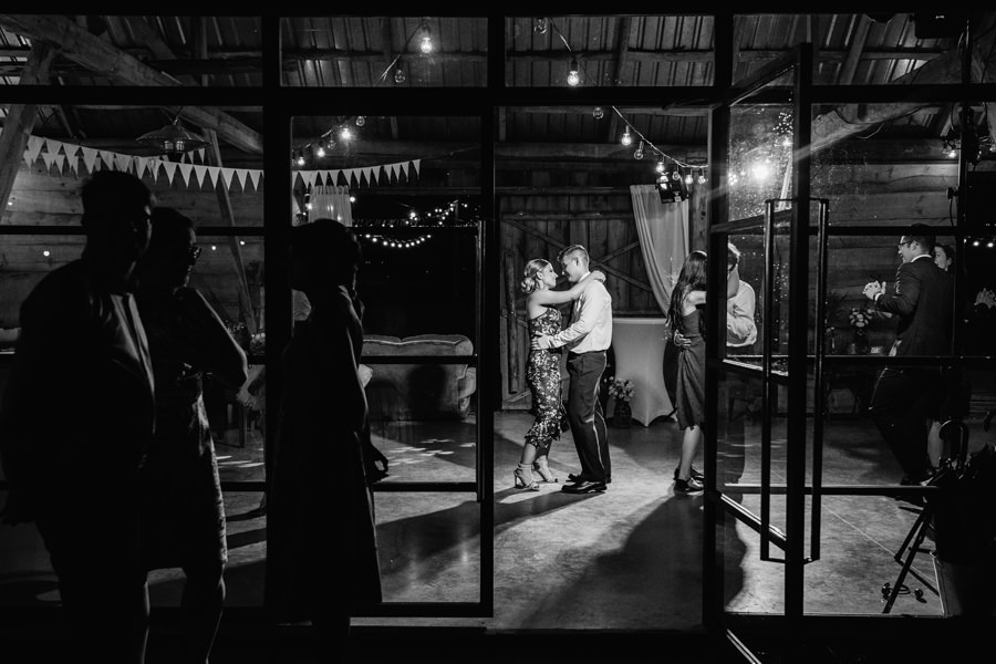 przez twe oczy, disco polo na weselu, wesele boho, slow wedding, wesele w stodole,