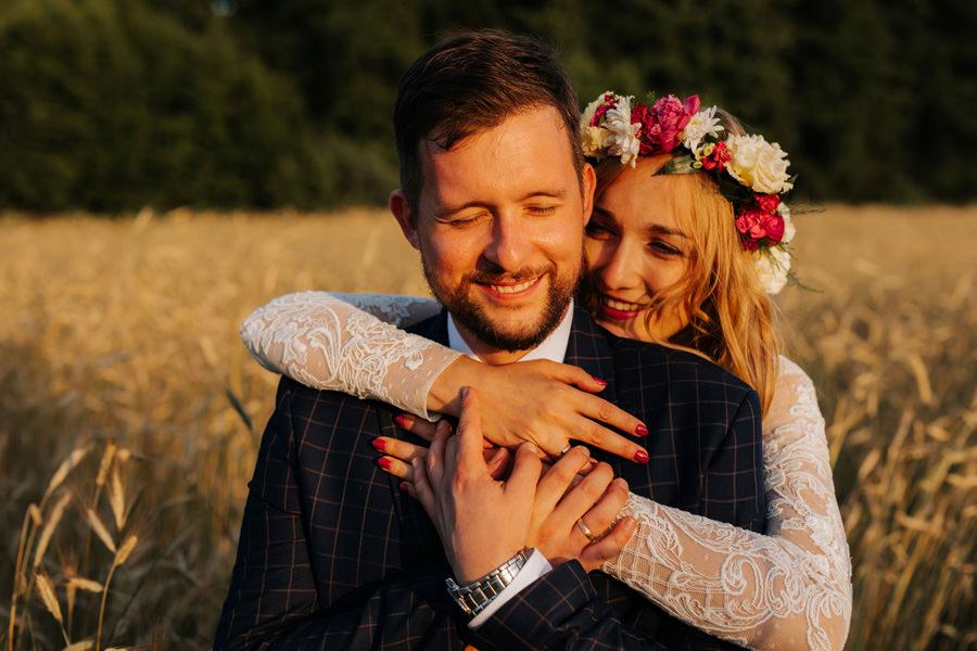 dom w przepitkach, sesja ślubna, boho bride, outdoor wedding, hochczeit in polen