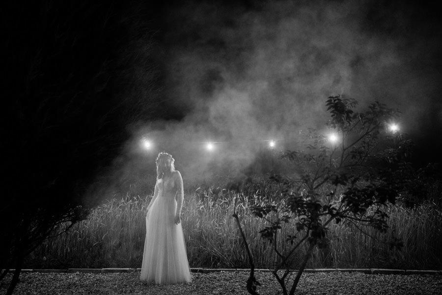reportaż ślubny dom w przepitkach, reportaż ślubny, wesele w stodole, fotograf peter sadowski, ślub humanistyczny