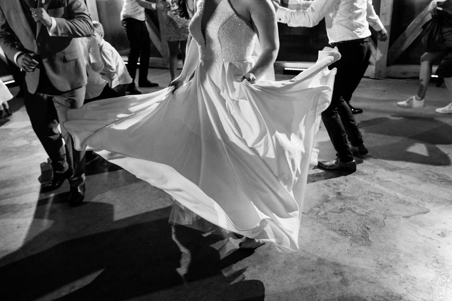suknia slubna po prostu, buty slubne sensatiano, panna mloda warszawa, moda slubna 2021, trendy slubne 2021,